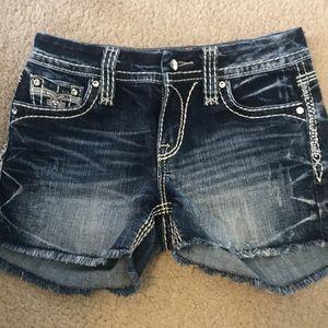 Rock Revival Shorts ~ size 25